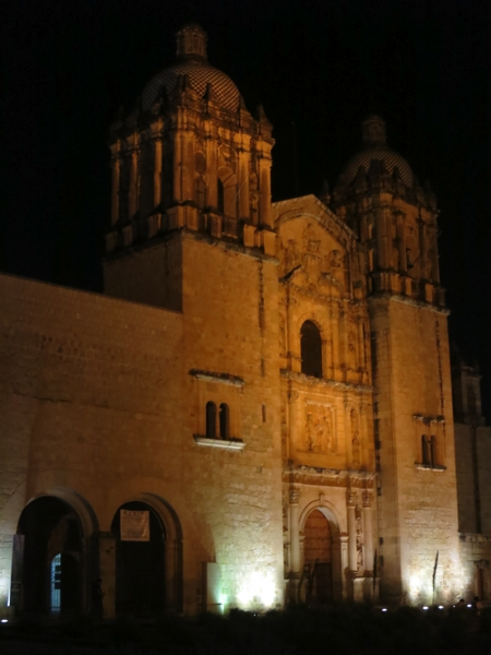 Church of Santo Domingo de Guzmán: Its impressive interior includes more than 60,000 sheets of 23.5-karat gold leaf.