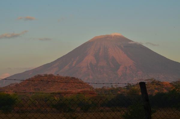 sunrise on the Usulután volcano