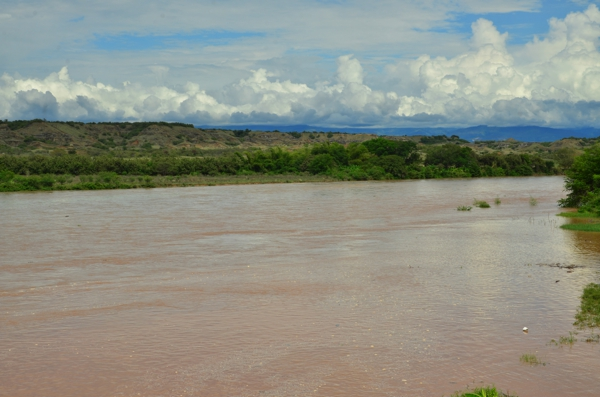 Tomorrow we'll cross this river by ferry or boat to get to the Tatacoa Desert.