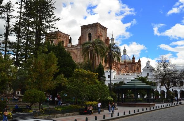 Catedral Nueva and Parque Calderon