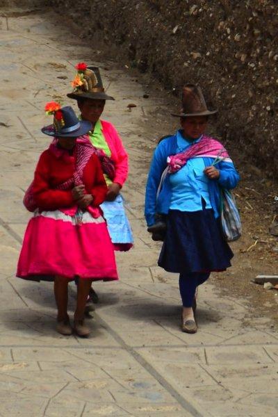 I love the hats of Peruvian women.