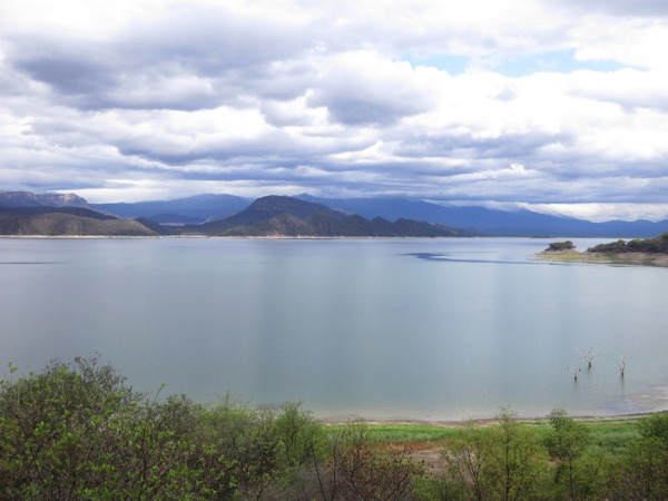 We're camped near the shore of Lago Embalse Cabra Corral.