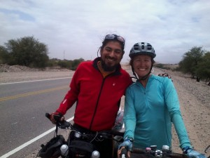 We met Leonardo, an Argentine cyclist headed north to Mexico and then to Asia. He thinks this wind is great. One cyclists headwind is another's tailwind. As I watch him go I am a bit jealous of his good fortune.