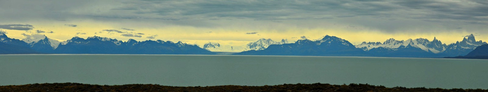 View of the Southern Patagonian Ice Field across Lago Viedma. (click on photo to view larger image)