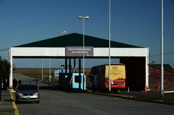 Argentina border station